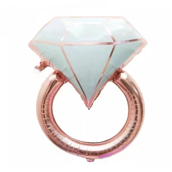Traumhafter Ehering Ballon mit einem Diamanten